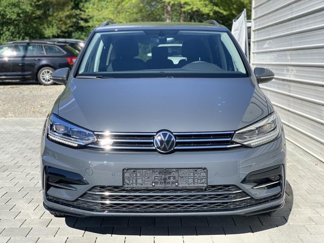 Volkswagen Touran - Highline R-Line 1.5TSI DSG 7-Sitze LED
