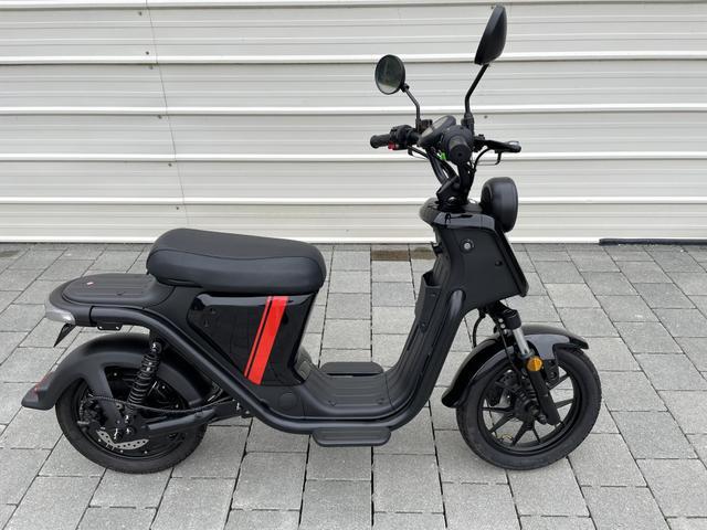 Lagerfahrzeug NIU UQi - Serie - Neu E Roller bis 45 km/h