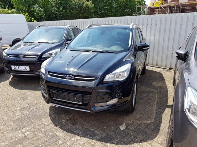 Ford Kuga - 4x4 2,0L 140 Ps Titanium AHK Navi Winter Paket