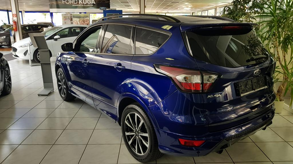 ford kuga 1 5 ecoboost 2x4 st line xenon r ckfahrkamera navigation panoramadach key free system. Black Bedroom Furniture Sets. Home Design Ideas