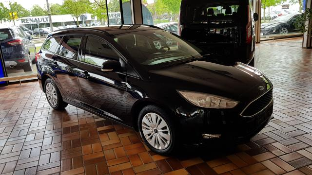 Ford Focus Turnier - 1.0 EcoBoost Start-Stopp-System Business Active Park Assist Winter-Paket Sicht Paket Navigation Ganzjahresreifen