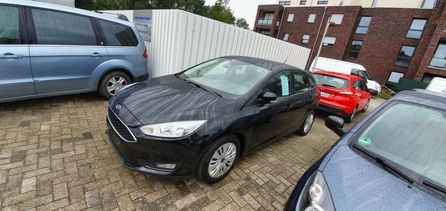 Ford Focus - Turnier 1.0 EcoBoost Start-Stopp-System Business Edition Navigation Sicht-Paket Sitzheizung Active City Stop PPS V+H Park-Assistent