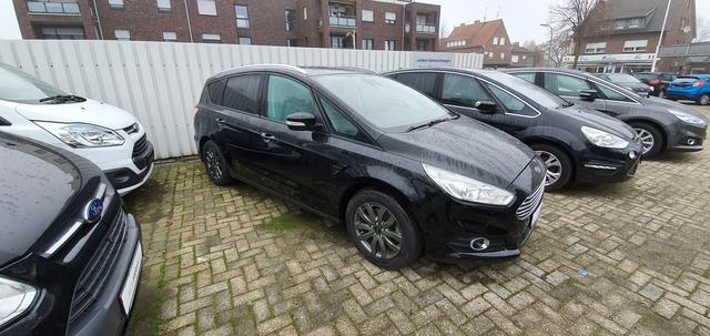 Ford S-MAX 2.0 TDCi Trend Navigation Tempomat PPS V+H Key-Free Active Park Assist DAB Sitzheizung