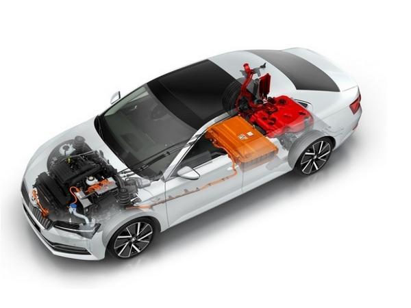 Skoda Superb Limousine iV Hybrid (2021) - Style Bestellfahrzeug, konfigurierbar