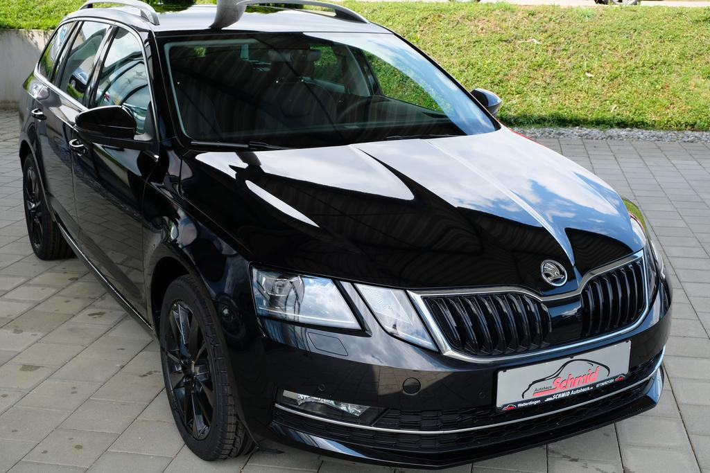 skoda octavia combi 1 8 tsi style plus dsg 4x4 led scheinwerfer 4x sitzheizung bluetooth. Black Bedroom Furniture Sets. Home Design Ideas