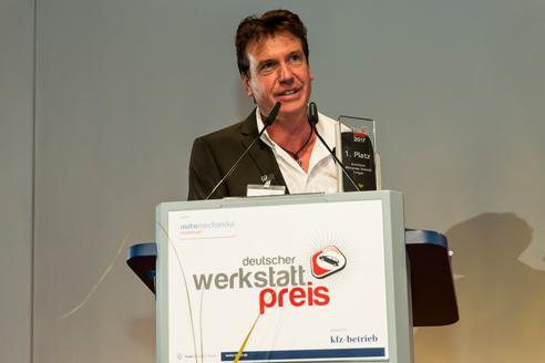 Alexander Schmid - GESCHÄFTSFÜHRUNG