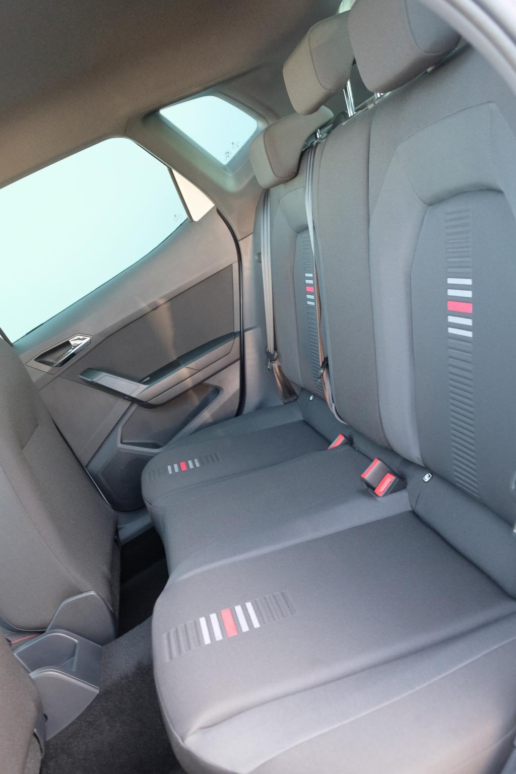 seat arona 1 5 tsi fr voll led navi distanzregelung acc. Black Bedroom Furniture Sets. Home Design Ideas