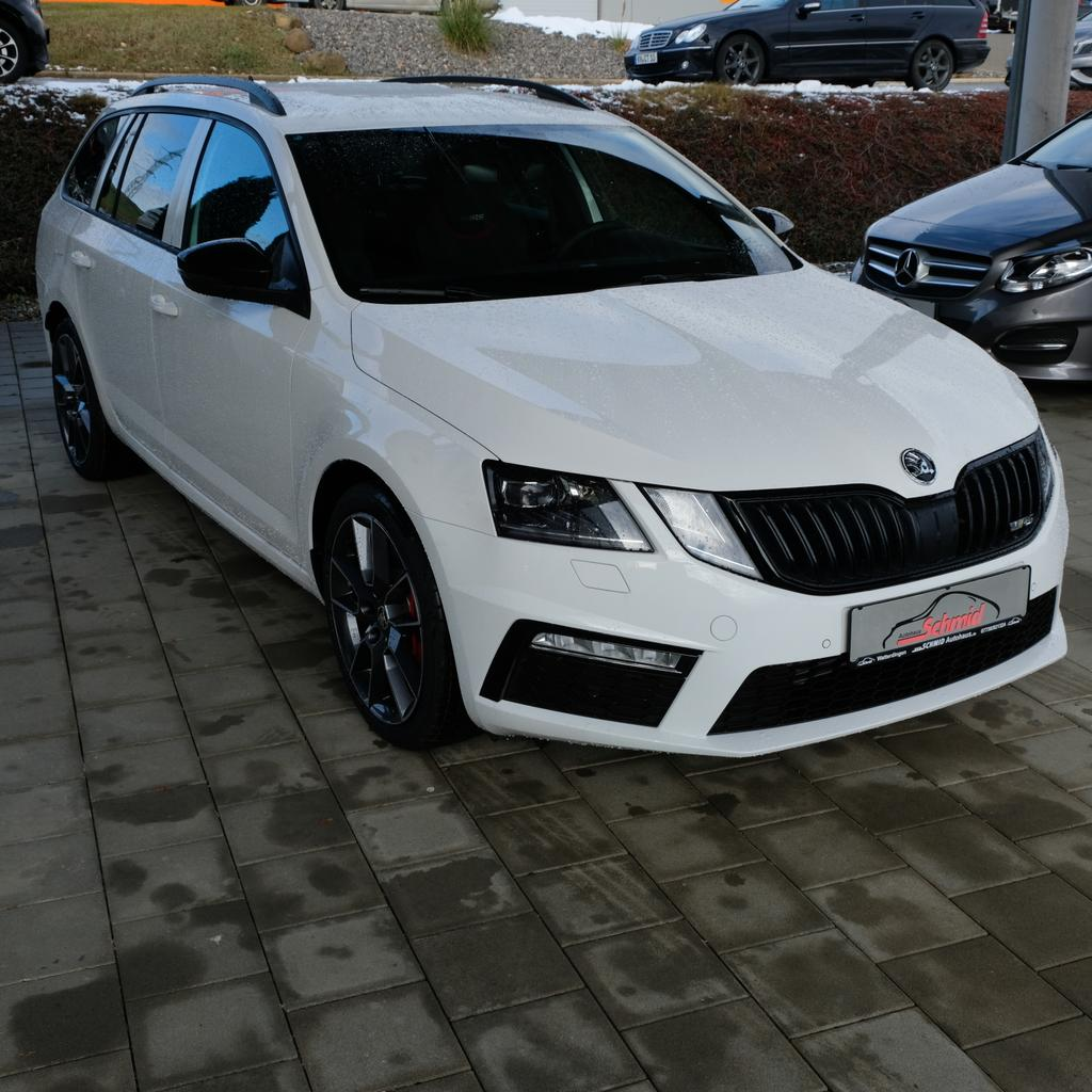 skoda octavia combi 2 0 tsi dsg rs assistenzpaket. Black Bedroom Furniture Sets. Home Design Ideas