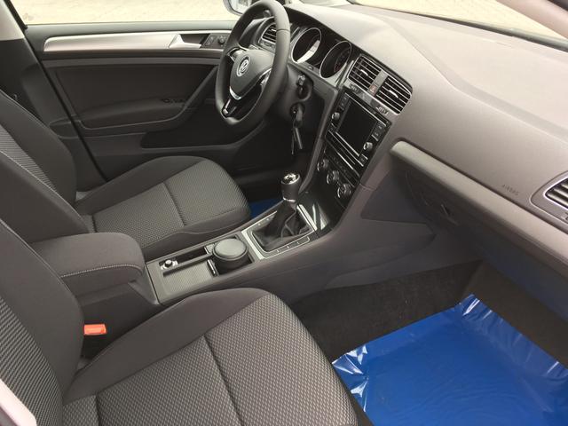 Volkswagen Golf TRENDLINE 1.0TSI 85kW Euro6dTemp CLIMATRONIC TEMPOMAT BLUETOOT