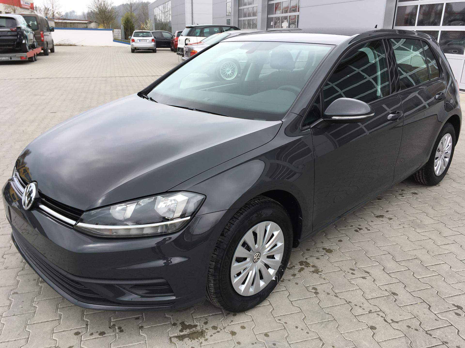 volkswagen golf vii trendline 1 0tsi 81kw neues modell climatronic tempomat bluetoot reimport. Black Bedroom Furniture Sets. Home Design Ideas