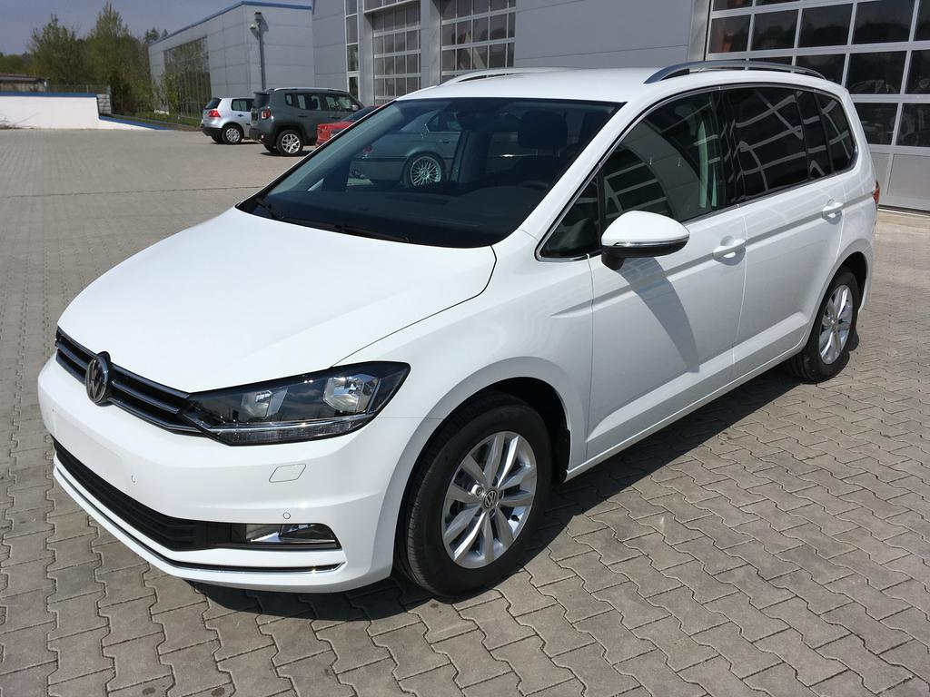 volkswagen touran highline 1 4tsi 110kw 150ps media acc. Black Bedroom Furniture Sets. Home Design Ideas