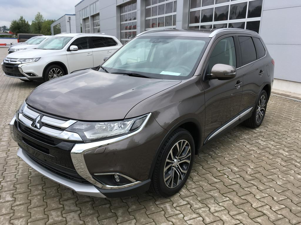 mitsubishi outlander 2 2di d 4wd intense 7 sitzer navi 18 alu reimport neuwagen eu fahrzeuge. Black Bedroom Furniture Sets. Home Design Ideas