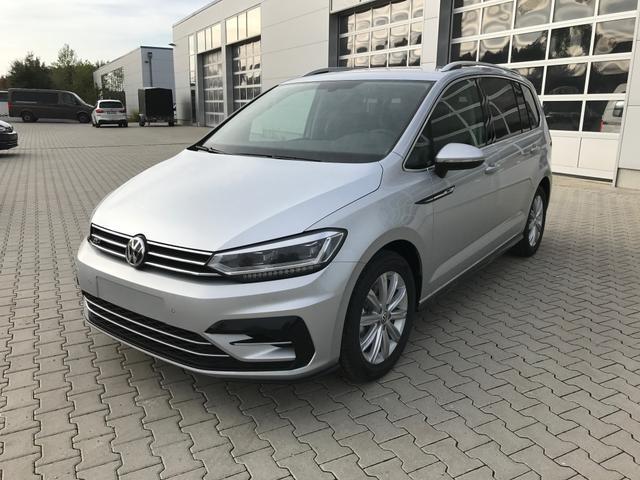 Volkswagen Touran - HIGHLINE R-LINE 1.5TSi 110kW LED NAVI KAMERA KEYLESS