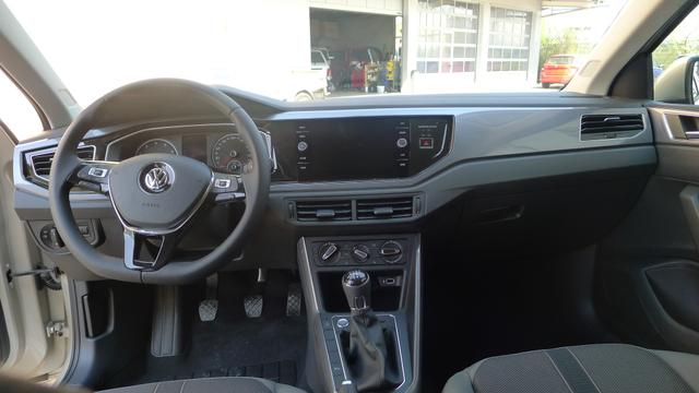 Volkswagen Polo - 1.0TSI 70kW HIGHLINE EURO6dTemp ACC PDC