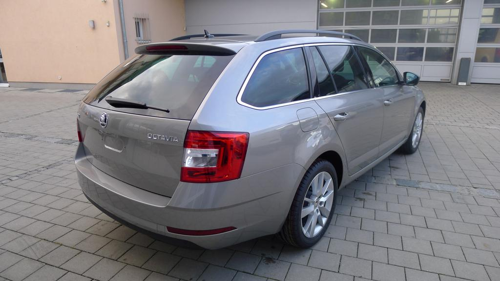 skoda octavia combi clever 2 0tdi dsg eu6dtemp navi kamera. Black Bedroom Furniture Sets. Home Design Ideas