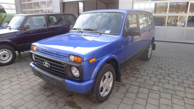 Lagerfahrzeug Lada Urban - 4x4 1.7i 5-türig EU6dTemp SHZ ALU AHK