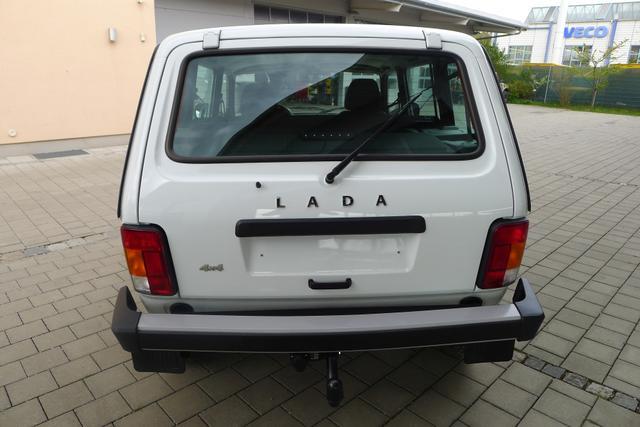 Lada Niva 1.7 5-türig 4x4 ALLRAD 61kW AHK EU6dTemp