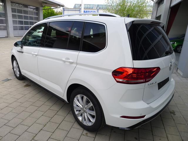 Volkswagen Touran HIGHLINE R-LINE 1.5TSi DSG 110kW 7-Sitzer LED NAVI KAMERA FAMIL