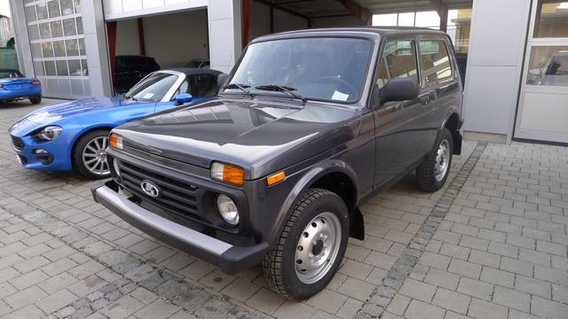 Lada Niva - 1.7 3-türig 4x4 ALLRAD 61kW AHK EU6dTemp LKW-Zulassung