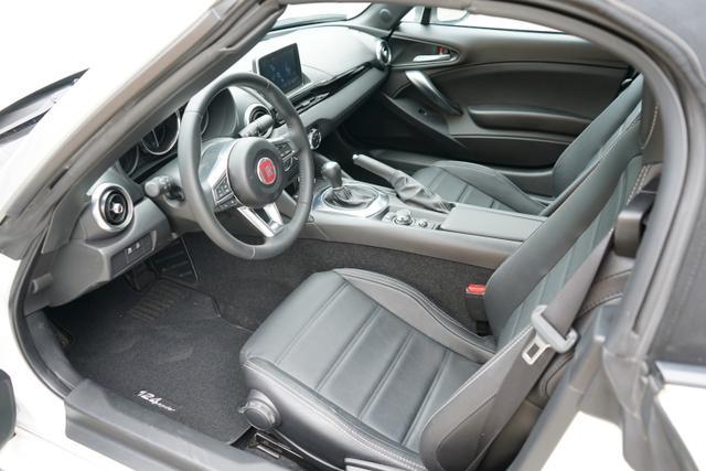 Fiat 124 Spider LUSSO 1.4TURBO 103kW NAVI LEDER