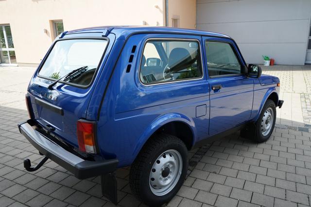 Lada Niva 1.7 3-türig 4x4 ALLRAD 61kW AHK EU6dTemp LKW-Zulassung