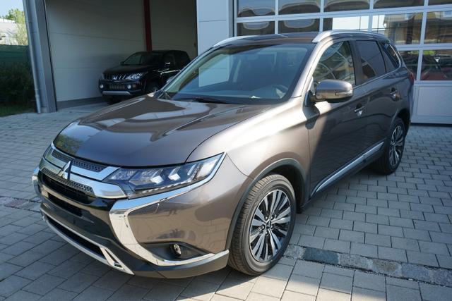 Outlander - 2.0 110kW 4WD Automatik INTENSE LED KAMERA DAB 18