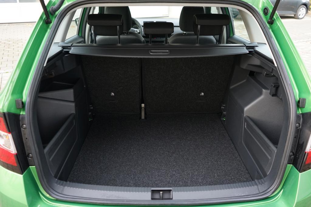 skoda fabia combi ambitionplus 1 0 tsi 70kw shz bluetooth pdc smartlink reimport neuwagen eu. Black Bedroom Furniture Sets. Home Design Ideas
