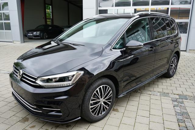 Volkswagen Touran - HIGHLINE R-LINE 1.5TSi 110kW LED NAVI KAMERA KEYLESS Vorlauffahrzeug