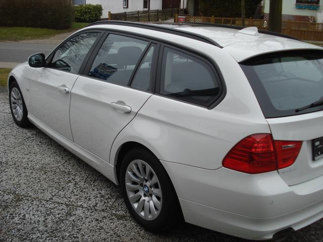 BMW 3er Touring - 318d Navi / Panoramad. Xenon!! TOP !!