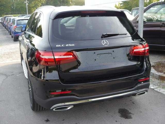 GLC SUV - 250 4MATIC * 9G-TRONIC AMG LINE HEAD-UP-DISPLAY PANORAMA-SD PARK-PAKET