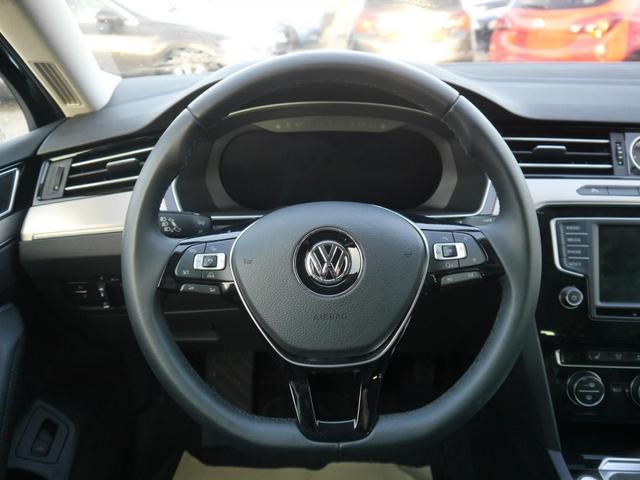 Volkswagen Passat Variant 2.0 TDI DPF SCR HIGHLINE * BMT R-LINE EXTERIEUR BUSINESS PREMIUM-PAKET 18 ZOLL