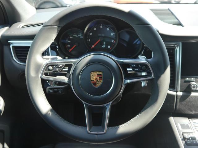 Porsche Macan 2.0 PDK * RS SPYDER 20 ZOLL LED-SCHEINWERFER PANORAMA-DACH LEDER NAVI