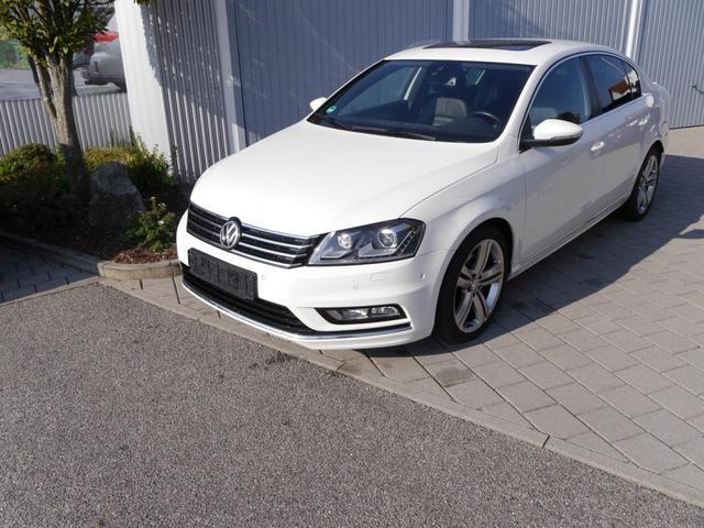 Volkswagen Passat - 2.0 TDI DPF DSG 4MOTION R-LINE * BMT 18 ZOLL LEDER ACC STANDHEIZUNG NAVI