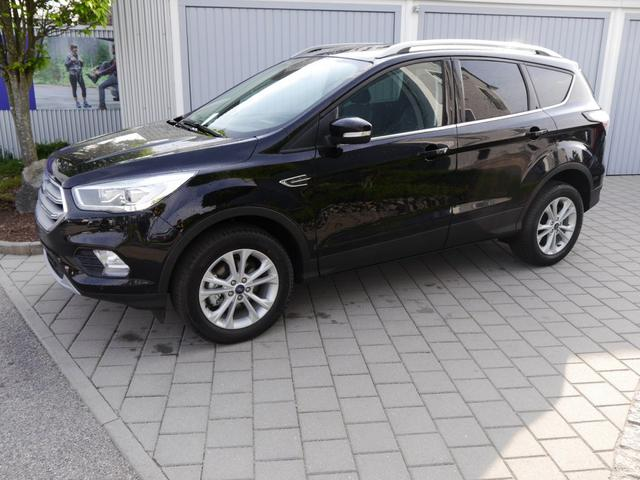Ford Kuga - 1.5 EcoBoost TITANIUM   NAVI XENON PARK-ASSISTENT SHZG FRONTSCHEIBENHEIZUNG Vorlauffahrzeug