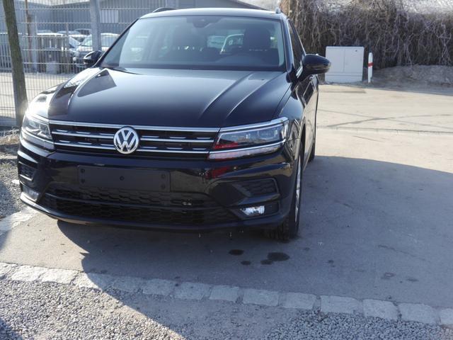 Volkswagen Tiguan - 2.0 TSI DSG 4MOTION COMFORTLINE   ACC ACTIVE LIGHTING SYSTEM NAVI WINTERPAKET Vorlauffahrzeug