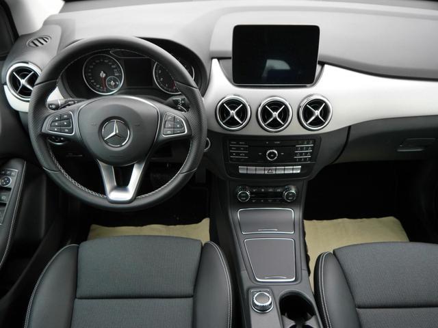 Mercedes-Benz B-Klasse B 200 URBAN * 7G-DCT LED HIGH SCHEINWERFER NAVI GARMIN PARK-PILOT SHZG