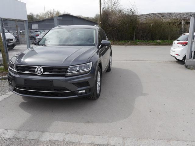 Volkswagen Tiguan - 1.4 TSI DSG ACT HIGHLINE   NAVI LED-SCHEINWERFER ACC PDC SHZG 18 ZOLL Vorlauffahrzeug