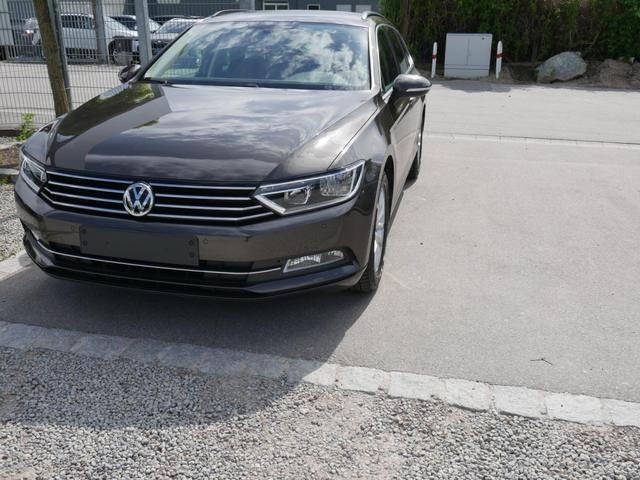Volkswagen Passat Variant - 1.4 TSI ACT COMFORTLINE   ACC NAVI PDC WINTERPAKET SITZHEIZUNG