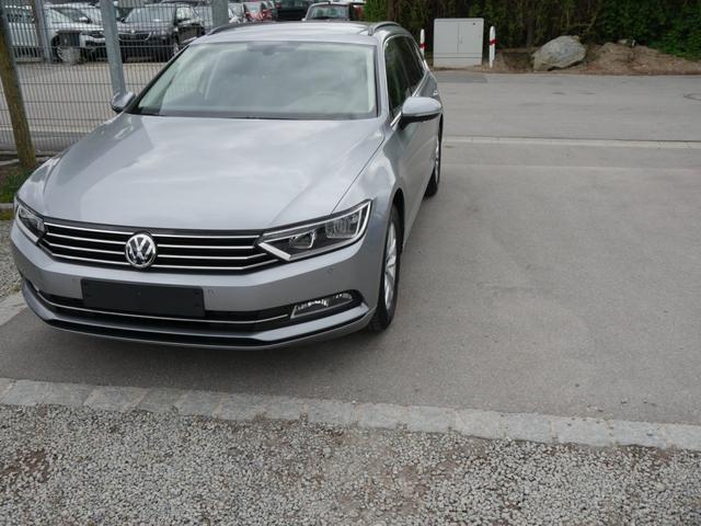 Volkswagen Passat Variant - 1.4 TSI ACT COMFORTLINE * ACC NAVI PDC WINTERPAKET SITZHEIZUNG