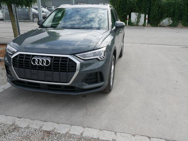 Lagerfahrzeug Audi Q3 - 35 TFSI CoD   MMI NAVI PLUS LED PDC SHZG VIRTUAL COCKPIT TEMPOMAT 17 ZOLL