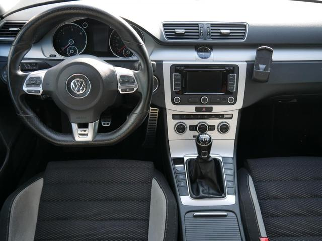 Volkswagen Passat Variant 2.0 TDI DPF R-LINE * BMT AHK NAVI RNS 315 XENON PDC SHZG TEMPOMAT