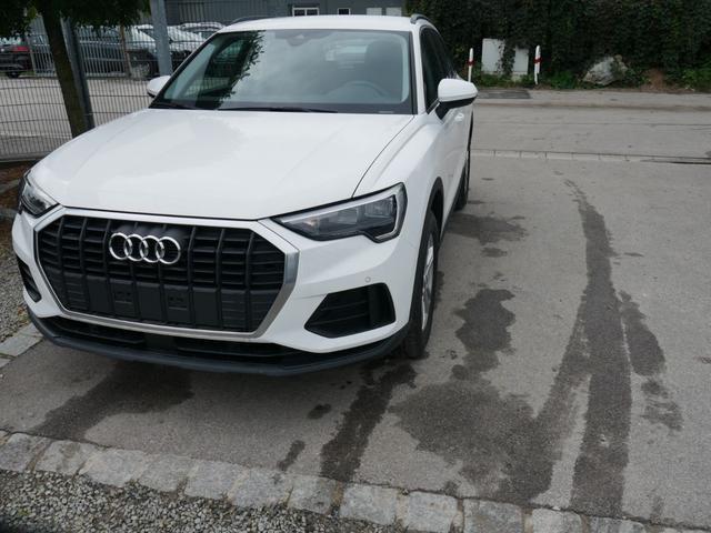 Lagerfahrzeug Audi Q3 - 35 TFSI CoD   LED PARKTRONIC SITZHEIZUNG VIRTUAL COCKPIT 17 ZOLL TEMPOMAT