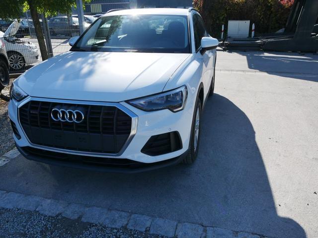 Lagerfahrzeug Audi Q3 - 35 TDI DPF QUATTRO   LED PARKTRONIC SITZHEIZUNG VIRTUAL COCKPIT TEMPOMAT