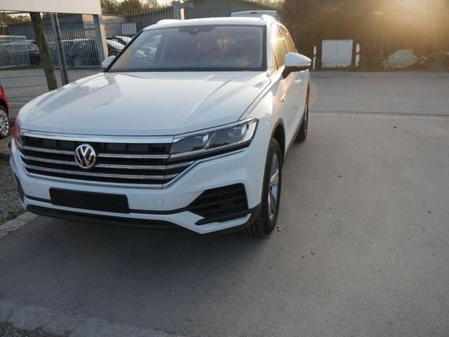 Volkswagen Touareg - 3.0 V6 TDI DPF 4MOTION STYLE * 19 ZOLL ACC LED NAVI LENKRAD & FRONTSCHEIBENHEIZUNG