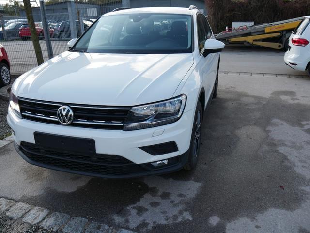 Volkswagen Tiguan - 1.5 TSI ACT TRENDLINE   WINTERPAKET APP-CONNECT-NAVI PDC SHZG TEMPOMAT Lagerfahrzeug