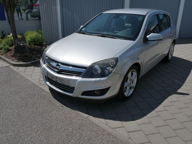 Gebrauchtfahrzeug Opel Astra - 1.9 CDTI DPF COSMO   AUTOMATIC LEDER NAVI XENON SITZHEIZUNG TEMPOMAT