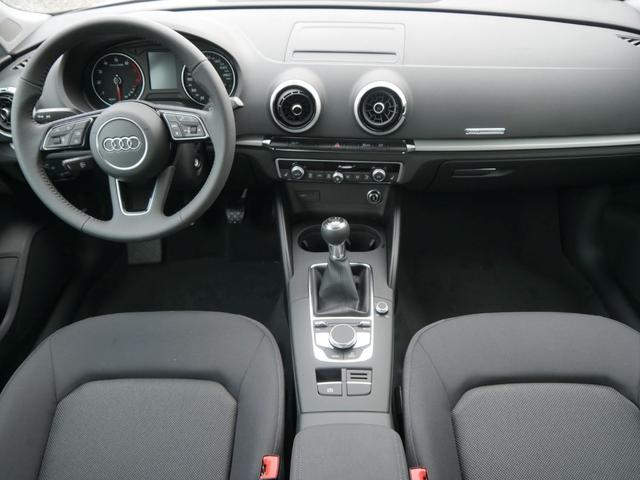 Audi A3 Sportback 35 TFSI CoD * CONNECTIVITY-PAKET XENON PDC SHZG TEMPOMAT KLIMAAUTOMATIK