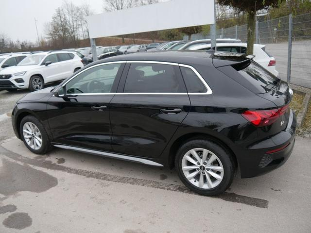 Audi A3 Sportback - 30 TFSI INTENSE * NEUES MODELL BUSINESS-PAKET LED NAVI PARKTRONIC SHZG