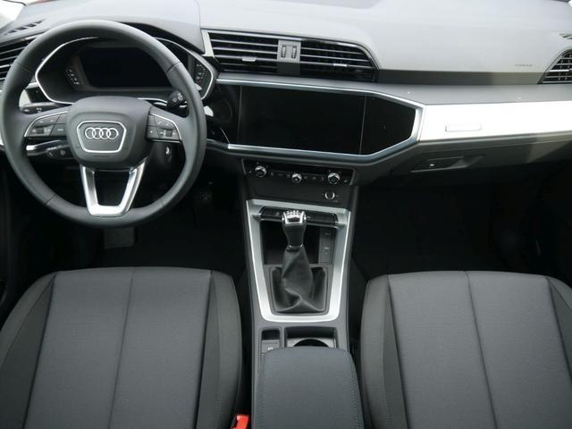 Audi Q3 35 TFSI CoD * LED MMI NAVI PLUS 18 ZOLL PDC RÜCKFAHRKAMERA El. HECKKLAPPE