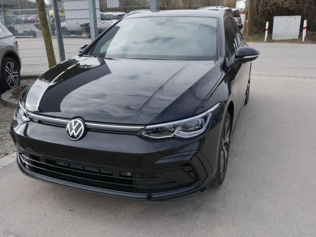 Volkswagen Golf - 1.5 eTSI ACT DSG R-LINE * FAHRERASSISTENZPAKET IQ.LIGHT NAVI 18 ZOLL PARK ASSIST LENKRADHEIZUNG